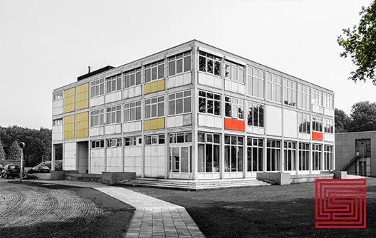 Rijksluchtvaartschool in Eelde blijkt ideale kantoorlocatie